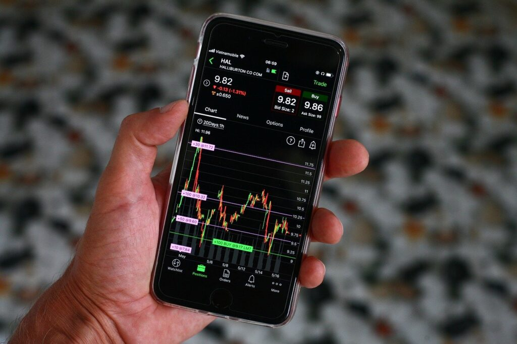 trading_forex_on_phone